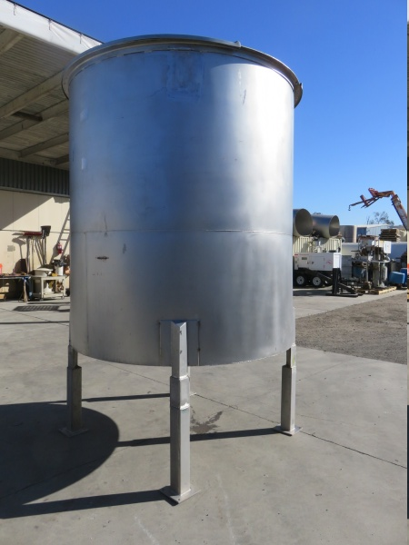 1700 gallon stainless mixing tank 04