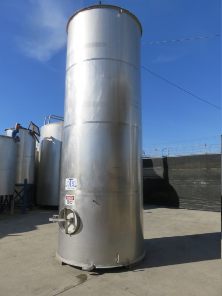 2700 gallon stainless tank 04