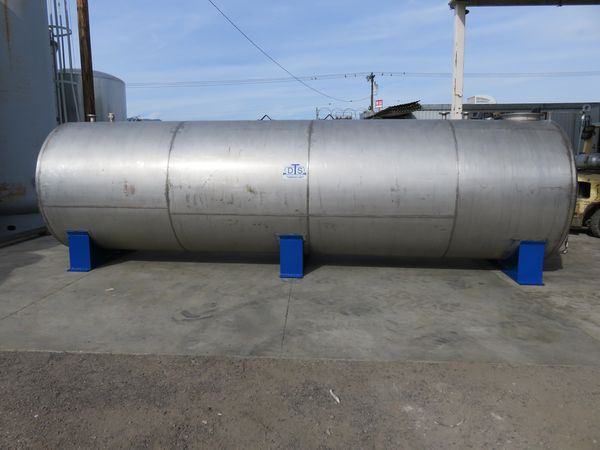 5500 gallon stainless steel tank