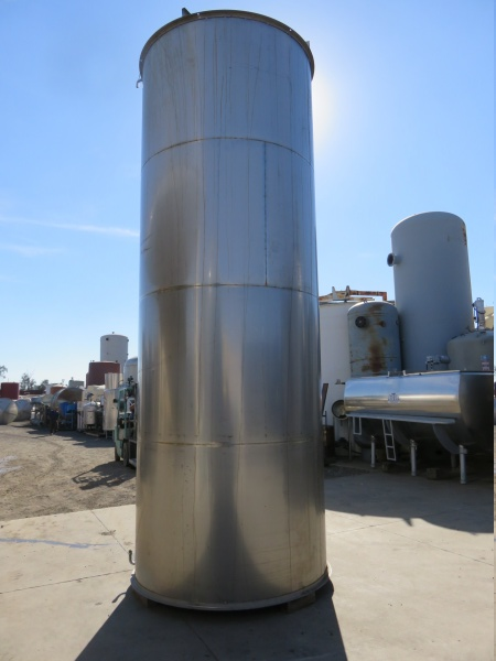 2700 gallon stainless tank 03