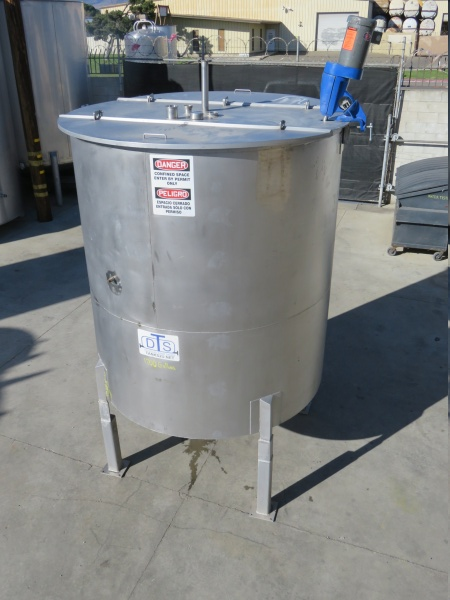 1700 gallon stainless mixing tank 01