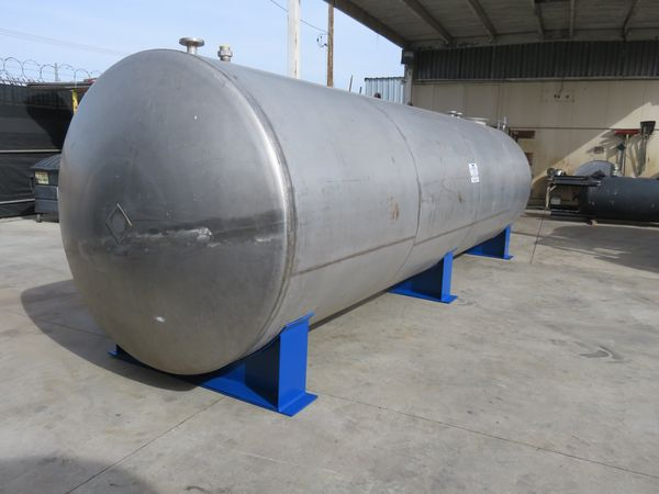 5500 gallon stainless tank 02