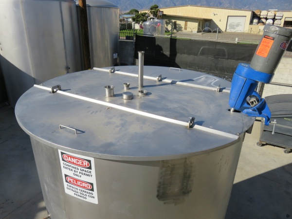 1700 gallon stainless mixing tank 05